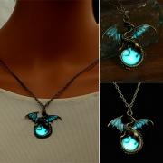 Fashion Retro Glowing Dragons Shaped Pendant Necklace