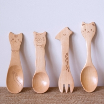 Cartoon Style Eco-Friendly Cat Face/Alpaca Face/Giraffe Face Children Wooden Spoon