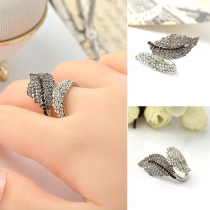 Fashion Retro Rhinestone Leaf Shaped Ring