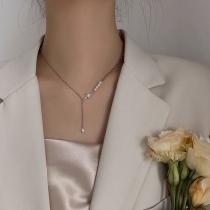 Fashion Pearl Rhinestone Inlaid Octagon Star Pendant Necklace