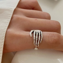 Retro Style Skeleton Hand Shaped Alloy Ring